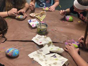 tips mengenalkan seni lukis pada anak