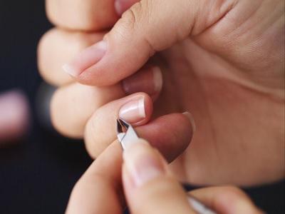 tips merawat kutikula kuku menjelang lebaran
