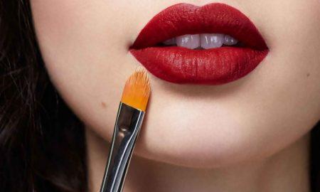 Cermati Kesalahan Memoles Bibir