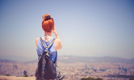 Gaya Rambut Wanita Untuk Traveling
