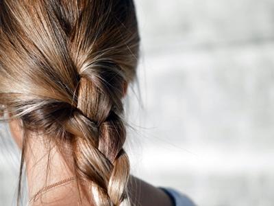 Gaya Rambut Wanita Untuk Traveling5
