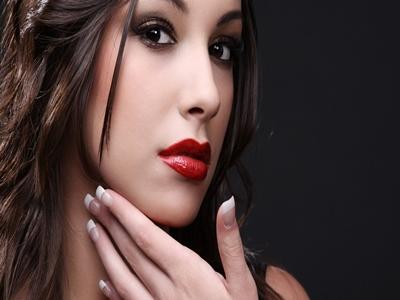 Meniru Gaya Lipstik Seleb Dunia4