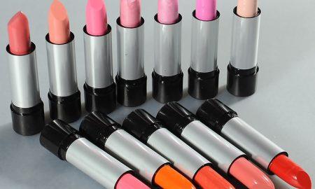 Pilihan Warna Lipstik Usai Lebaran