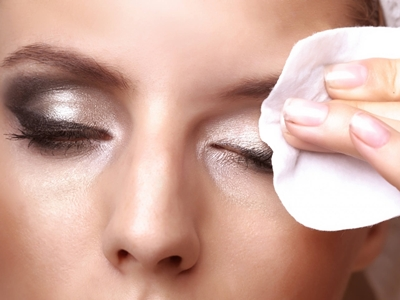 Tips Wajah Bersih Dari Make Up Tebal3