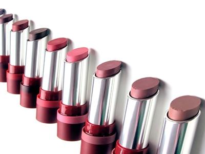 Traveling Jangan Lupa Bawa Lipstik4