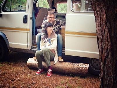 tips bepergian jauh dengan pasangan agar harmonis