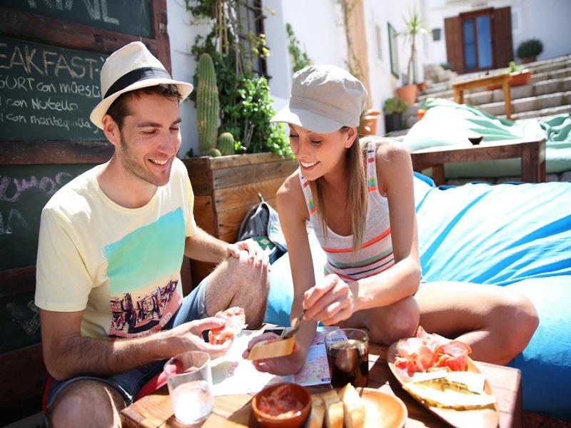 tips menjaga diet selama travelling