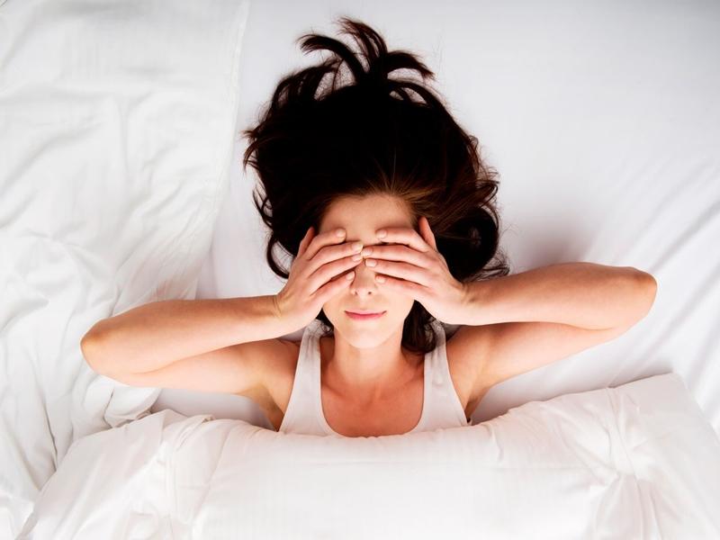 Bahaya, Tidur Dengan Rambut Basah Picu Masalah