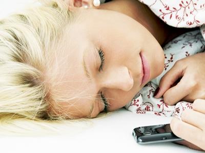Bahaya, Tidur Dengan Rambut Basah Picu Masalah2