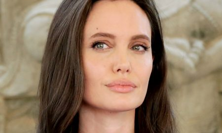 Ini Lho Penyebab Wajah Angelina Jolie Melorot