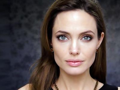 Ini Lho Penyebab Wajah Angelina Jolie Melorot2