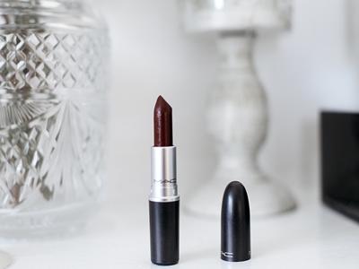 Jangan Cuma Dilirik, Lipstik Ini Wajib Ada3
