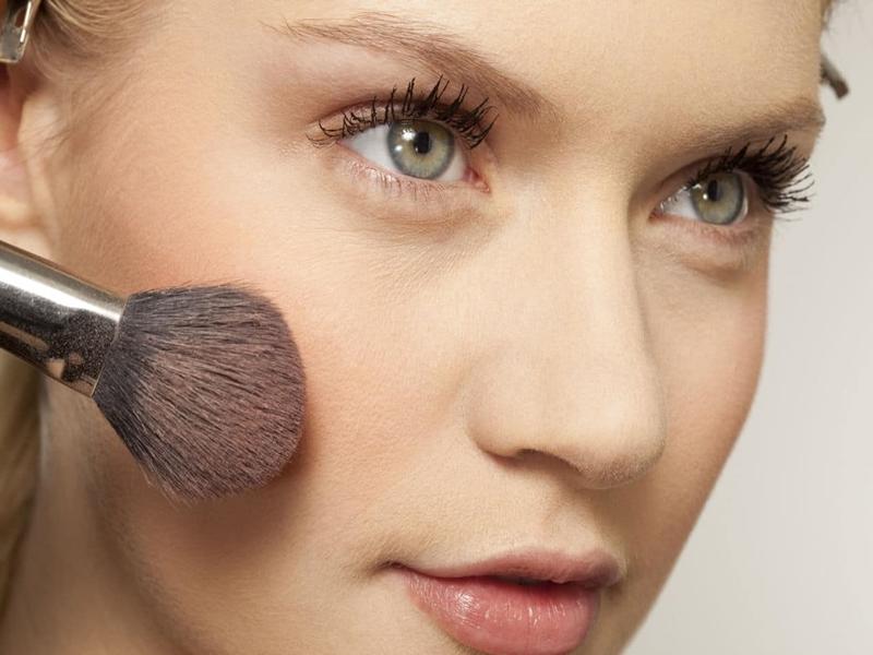 Mau Sholat Idul Adha, Gunakan Makeup Ini!