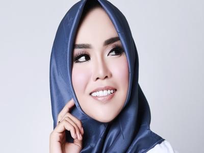 Medina Zein, Milioner Muda Berbibir Cantik3