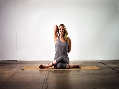 Pose Yoga Paling Baik Untuk Tubuh2