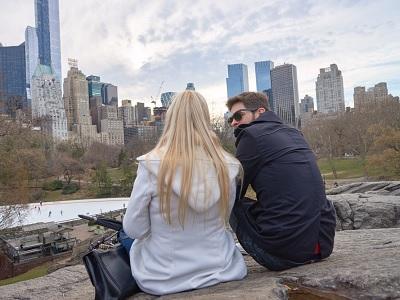 tanda pasangan punya hubungan emosi dengan selingkuhan
