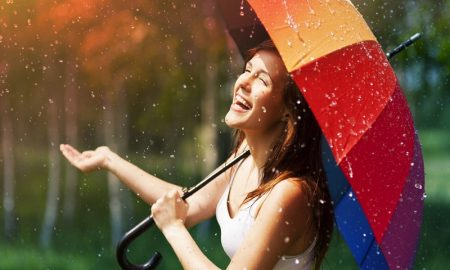 Awas Musim Hujan Datang, Lindungi Kulitmu!