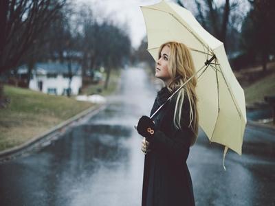 Awas Musim Hujan Datang, Lindungi Kulitmu!2