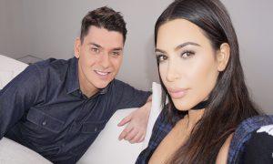 Heboh, Perias Kim Kardashian Buka-Bukaan!