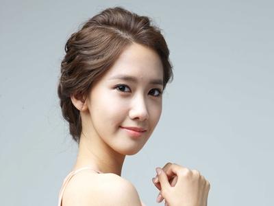 Pukau Fans Indonesia, Yoona Pakai Lipstik Ini!5