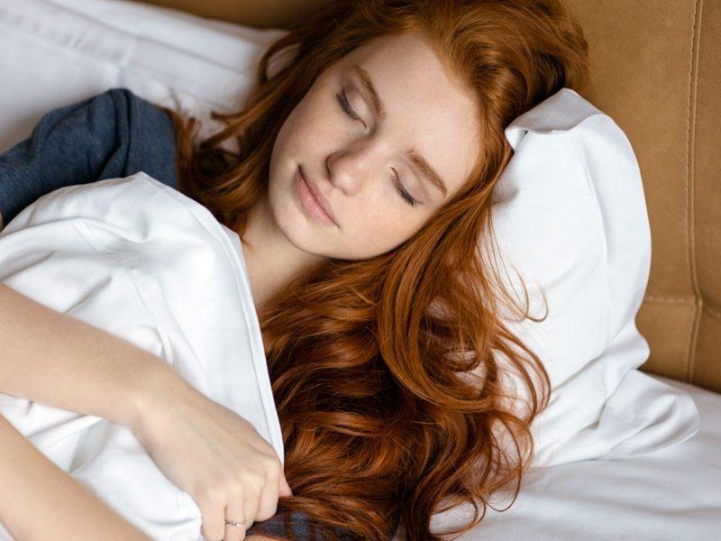 Rambut Lepek Saat Bangun Tidur, Nggak Masalah!