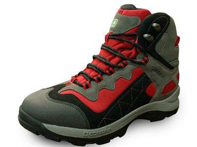 Rekomendasi Sepatu Untuk Kegiatan Outdoor
