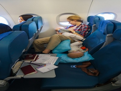 tips menjaga kesehatan bayi saat bepergian