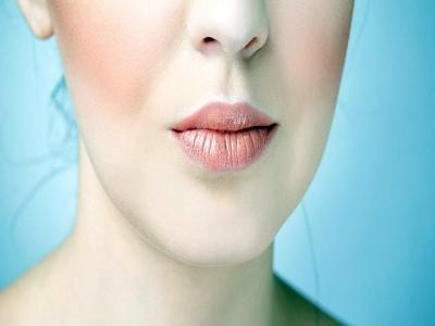 Warna lipstik Meghan Markle4