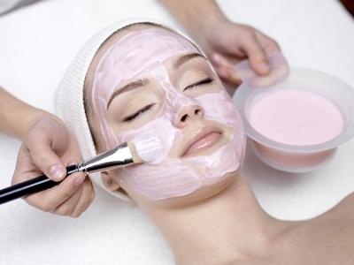 Cara Meghan Markle merawat wajah5